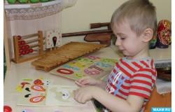 Деревянные рамки вкладыши – игрушки для развития логики