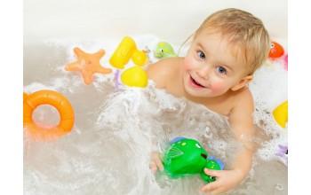 Как выбрать игрушки для купания ребёнку